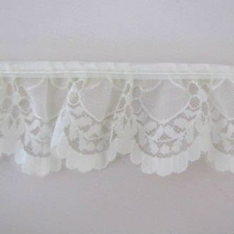 Cream Lace Trim